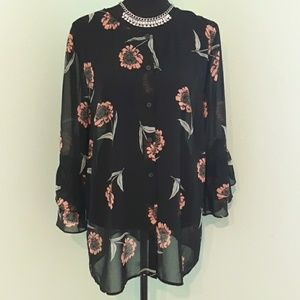 CAbi bell sleeve blouse